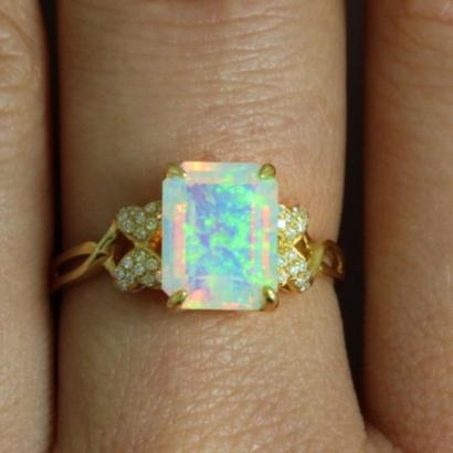 Opal ring 5445